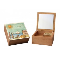 custom musical jewelry box. Wooden music box with custom decoration, dedication and melody.